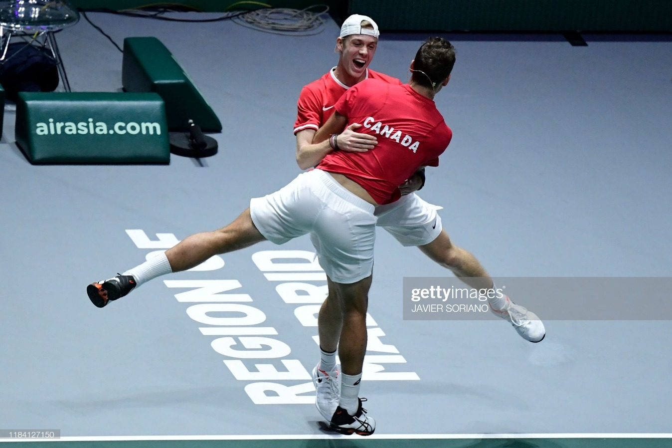 TOPSHOT-TENNIS-DAVIS-RUS-CAN : News Photo