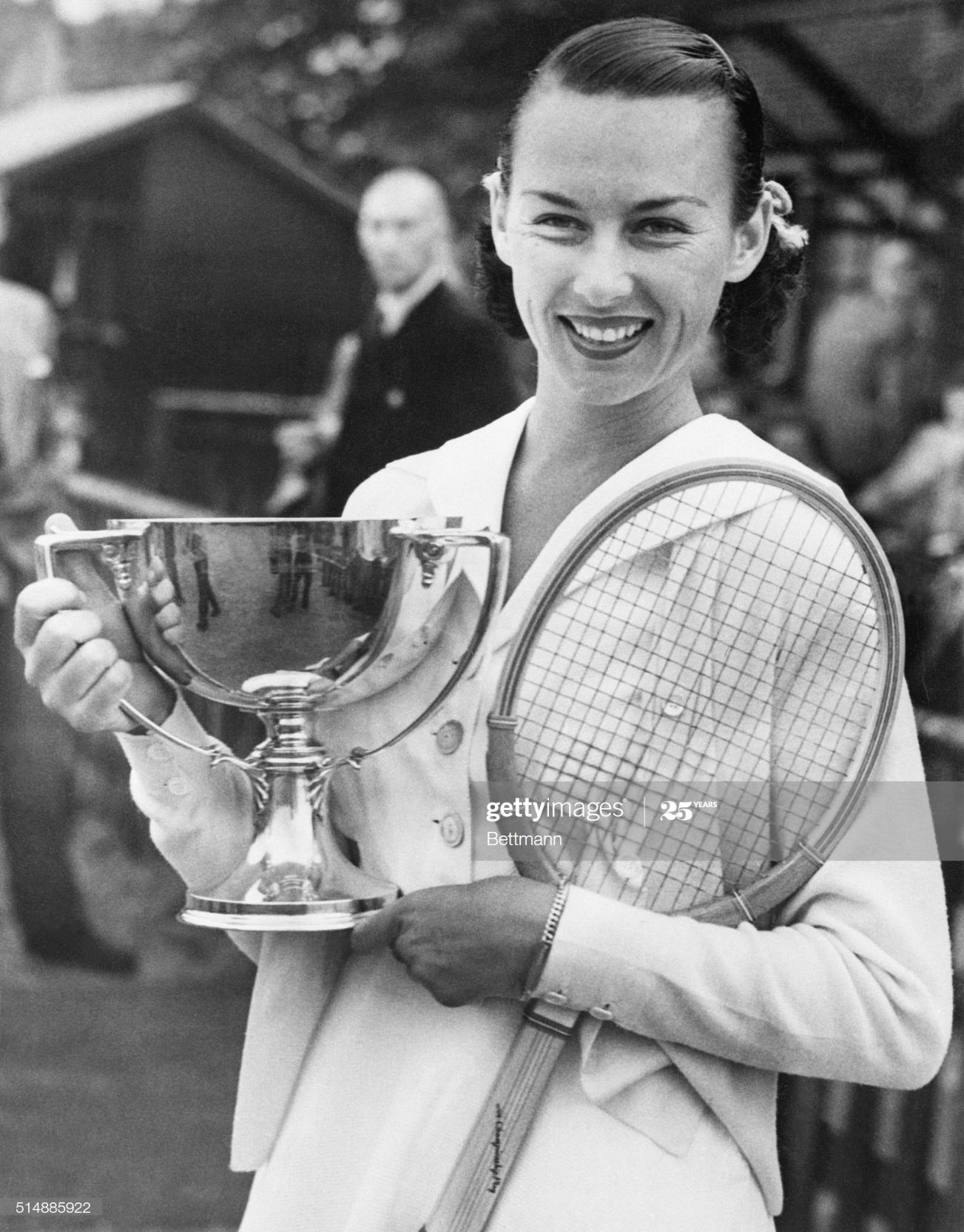 Gertrude Moran Holding Championship Trop : News Photo